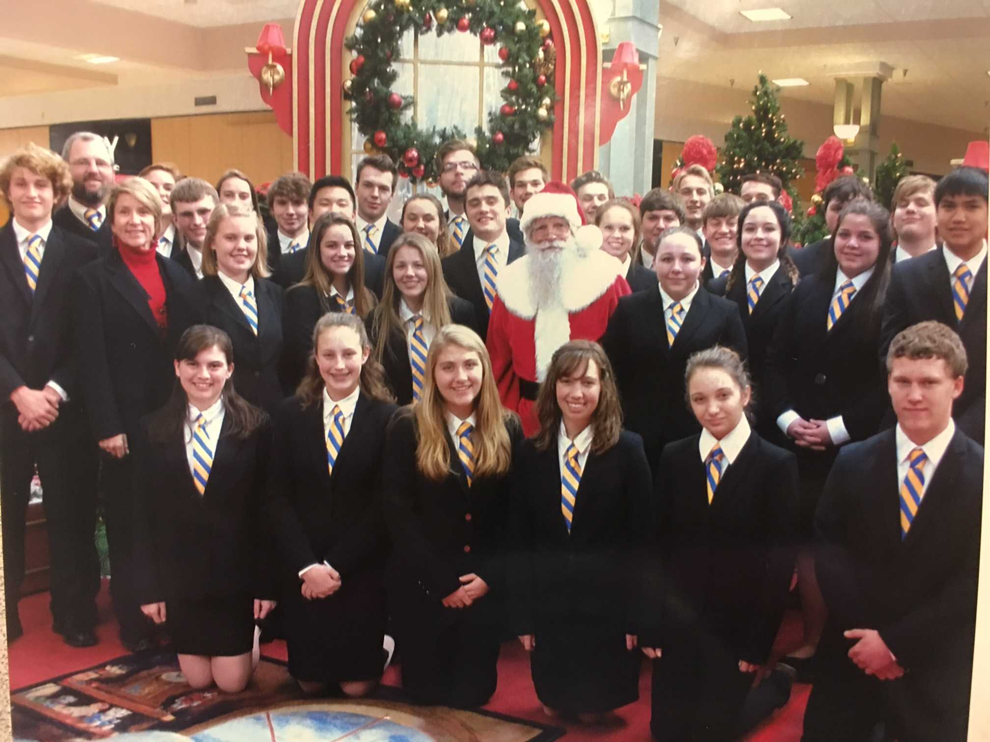 The 2016-2017 We the People team went to go see Santa Claus when traveling as a team.