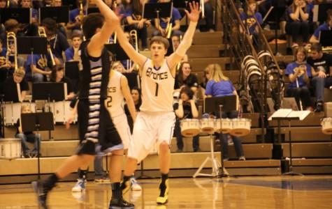 Boys basketball advances despite recent setbacks