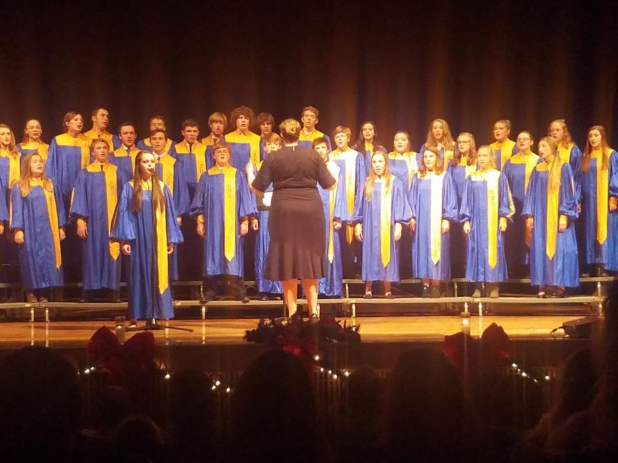 Choir+teacher+Ashley+Lecholat+directs+the+SHS+choir+during+the+concert.+%28Photo+courtesy+Leah+Clark%29