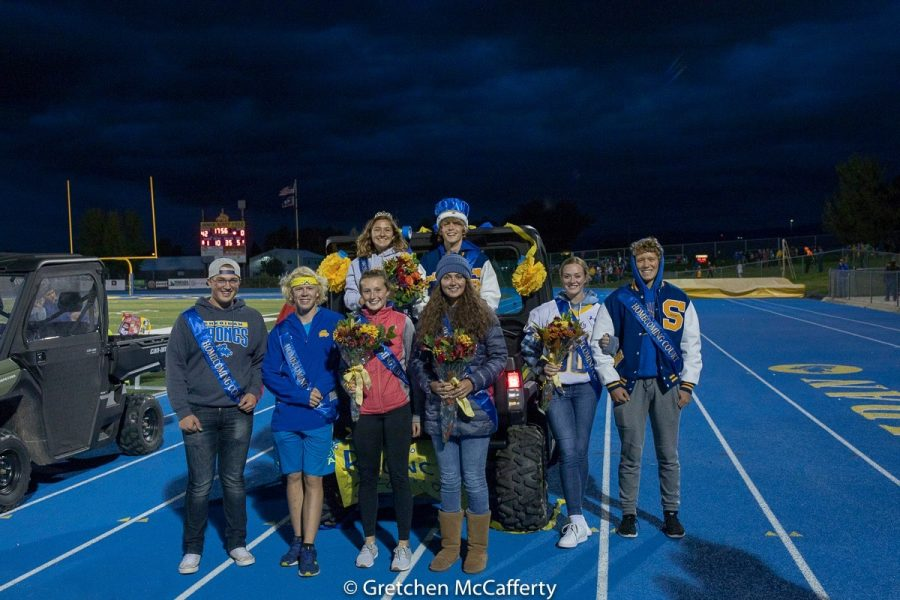 Homecoming+Court+front+row%3B+junior+Zane+Meyers%2C+freshman+Austin+Akers+and+Sydni+Bilyue%2C+junior+Julia+Kutz%2C+sophomores+Jenna+Sweeny+and+Reed+Rabon.+Back+row%3B+seniors+Stephanie+Gonda+and+Timothy+Brown.+